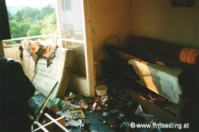 wohnungsbrand freiwillige feuerwehr der stadt m dling freiwillige feuerwehr nieder sterreich. Black Bedroom Furniture Sets. Home Design Ideas